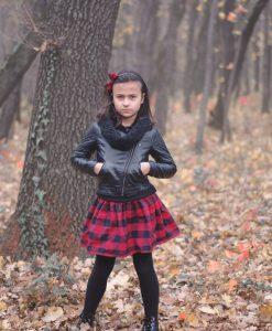 детска карирана пола в червено
