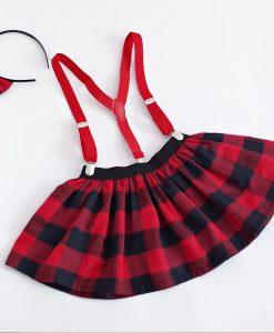 детска карирана пола в червено и черно