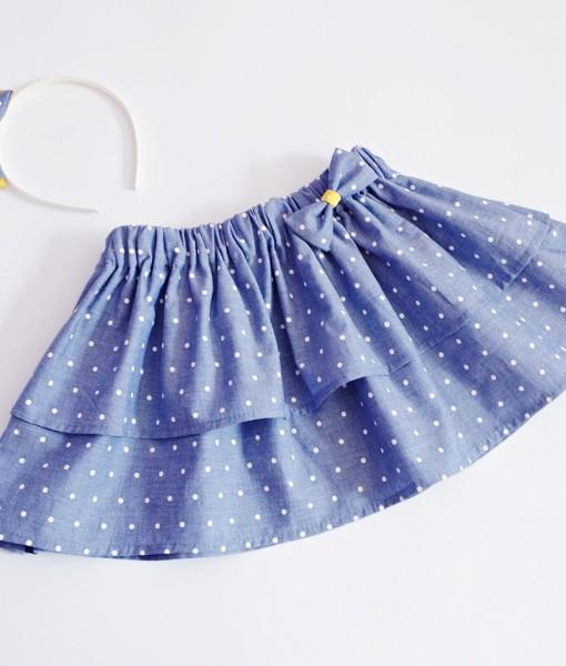 детска дънкова пола на бели точки