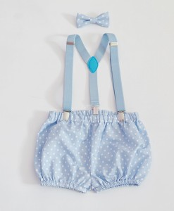 бебешки сини панталонки с тиранти и папионка
