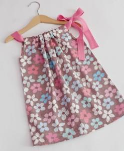 лятна рокля на цветя мента и розово