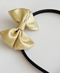 диадема златна панделка