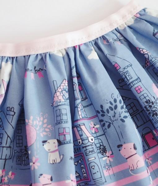 Детска пола в синьо и розово с принт на кученца