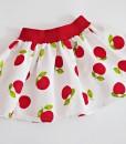 Детска пола на ябълки