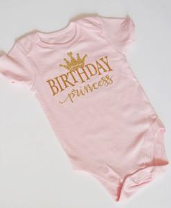 Боди с надпис Birthday princess в златно