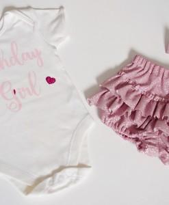 бебешки комплект за рожден ден от боди и гащички в розово