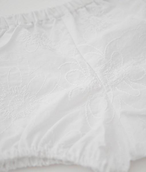 бебешки бели памперс гащи