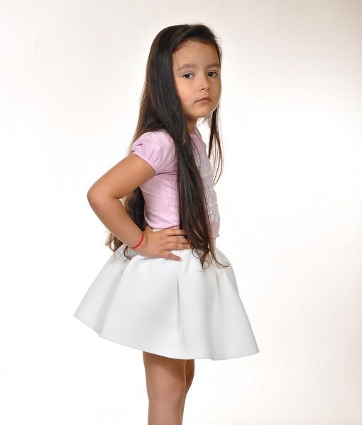 Детска бяла пола от неопрен