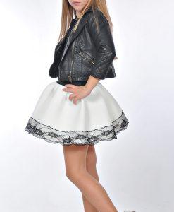 детска бяла пола с дантела